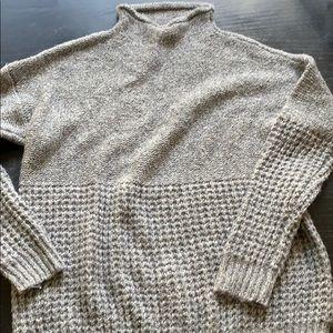 American Eagle gray sweater Medium